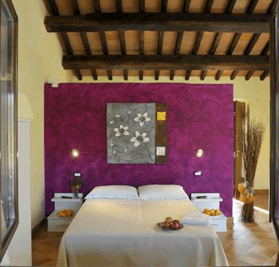 Suites near Rome aubergine